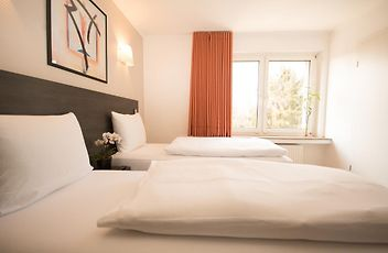 Tweepersoonsbed Lits Jumeaux.Hotel Le Dany Luxemburg
